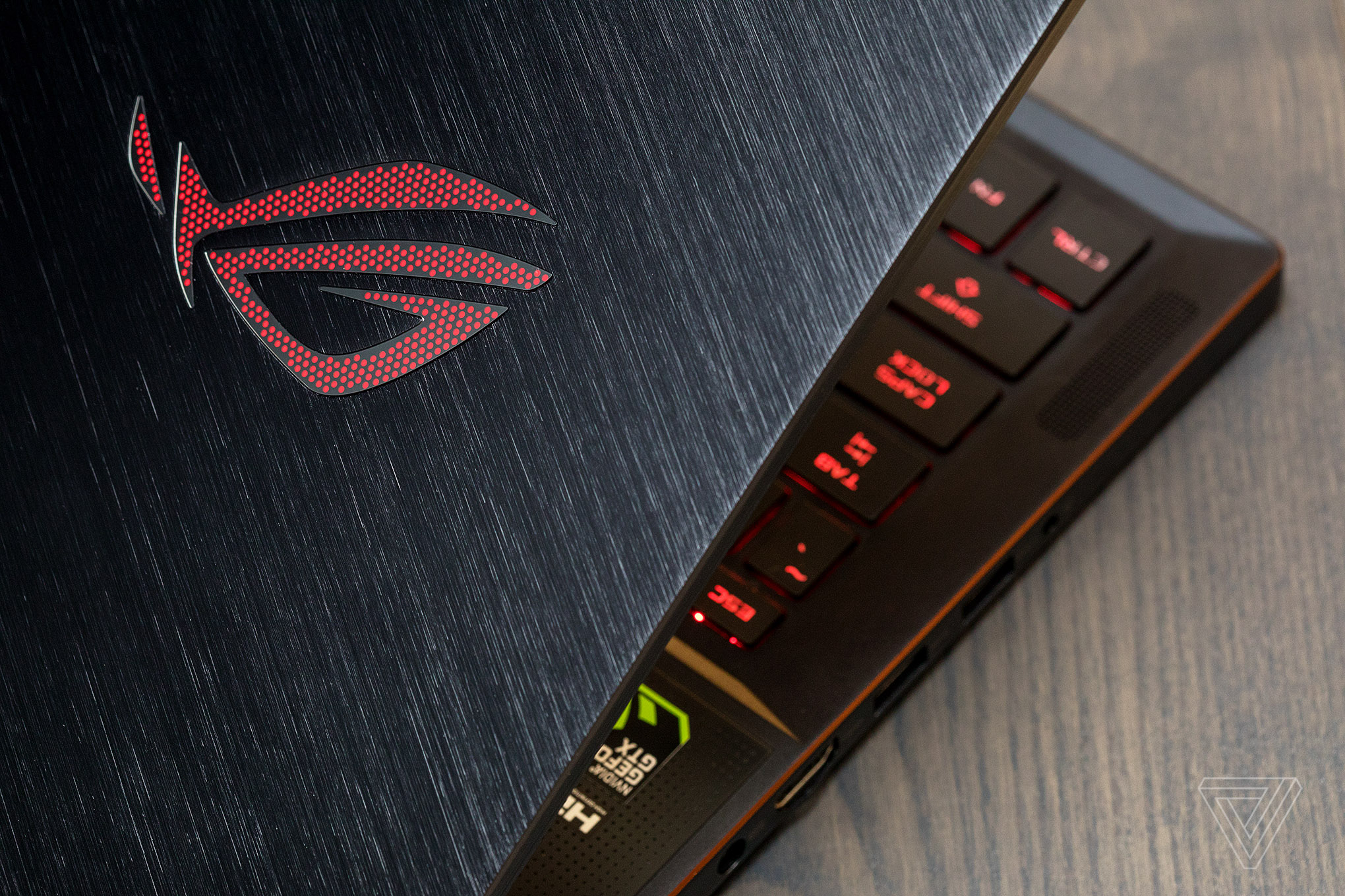 itech-dude-contents-akrales_170818_1922_0090 Asus ROG Zephyrus review: great at gaming, but not much else | iTech Dude - The Technology Blog