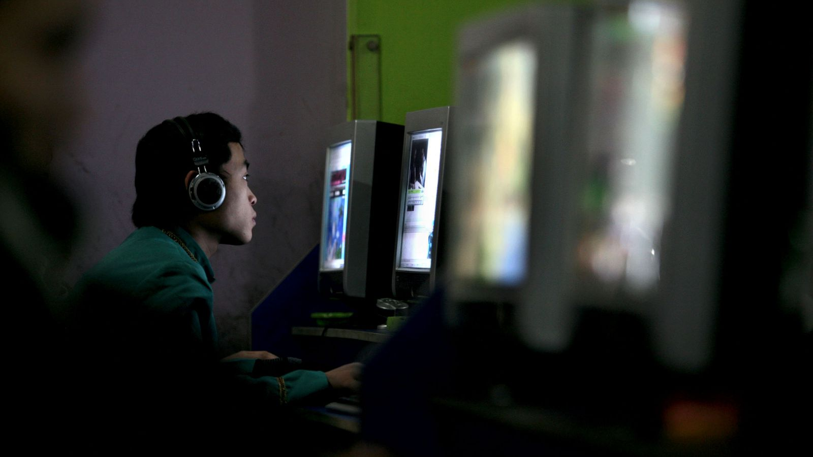 China is forcing internet companies to end online anonymity