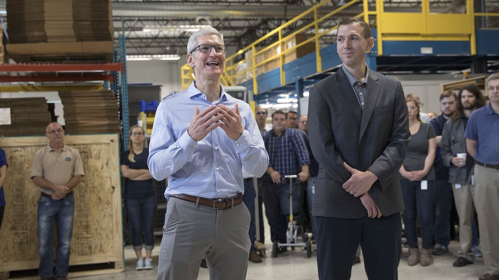 Is that an iPhone 8 in Tim Cook