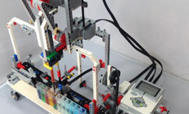 DIY Lego Robot Brings Lab Automation to Students