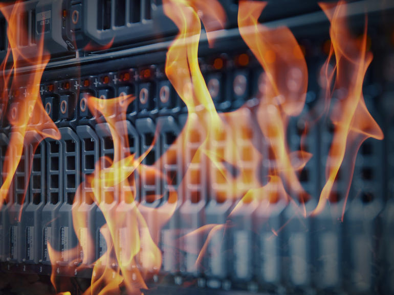 Fire closes Flash Memory Summit show